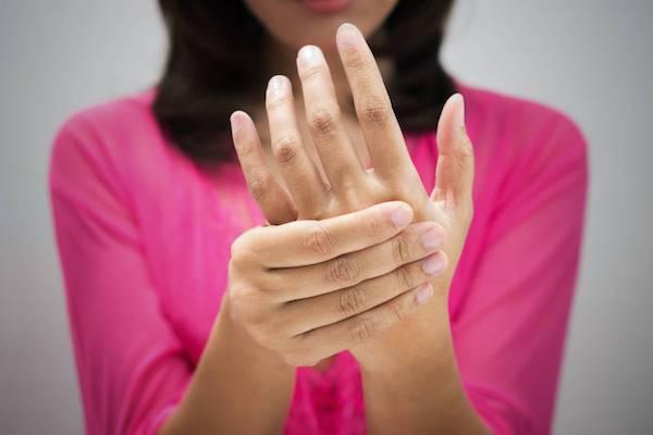 Ízületi fájdalom psoriasis ízületi betegséggel. Pikkelysömör