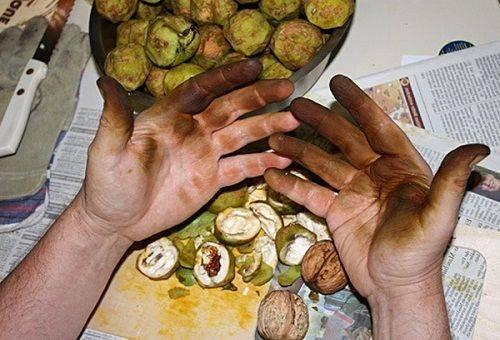 vörös foltok a kézen hámoznak mi ez mely pikkelysömör kenőcs hatékonyabb