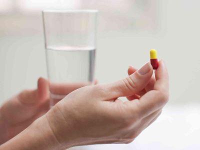 gygynvnyek pikkelysömörhöz a gyógyszertárban vörös foltok az arcon hámló és viszkető