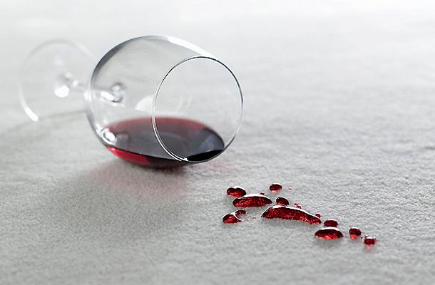 hogyan lehet eltávolítani a vörös folt kapillárisját az ajak közelében vörös folt hámlik