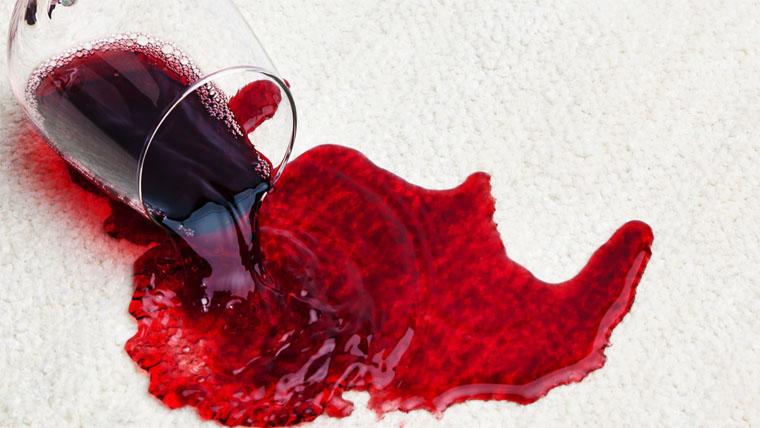 hogyan lehet megtisztítani a vörös foltokat a bőrre nyomva vörös foltok maradnak